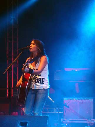 KT Tunstall on Acoustic Stage